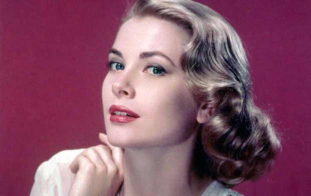 葛麗絲凱莉 (Grace Kelly) 於1955年的彩色劇照。(WikiCommons)