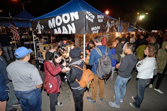 Moon Man印尼蒸椰子糕廣受民眾喜愛。(記者朱澤人/攝影)