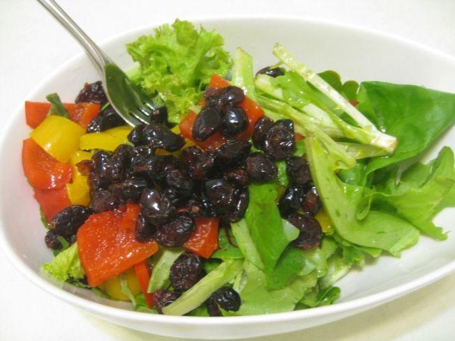 三少一高(少油、少盬、少糖,高纖維)飲食不是減少低密度膽固醇的利器。記者簡慧珍/攝影