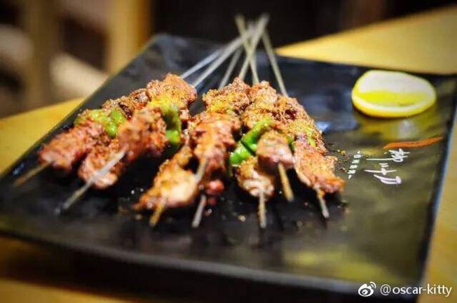 徐州燒烤以山羊肉為賣點。(取材自微信)