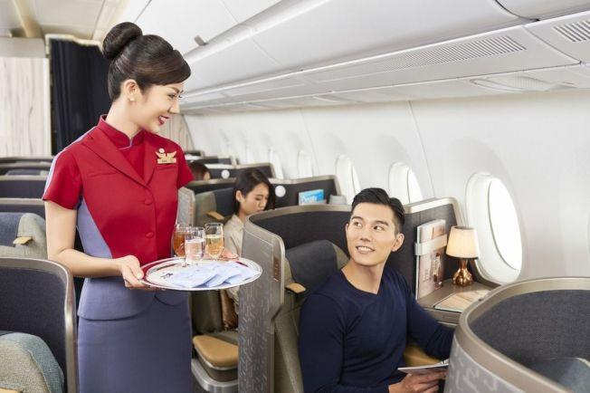 航空公司工作人員有很多技巧,可以幫助你預定更好、更便宜的航班。圖/華航提供