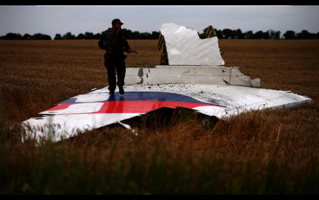 在烏克蘭東部被擊落的馬航班機殘骸。 (路透)