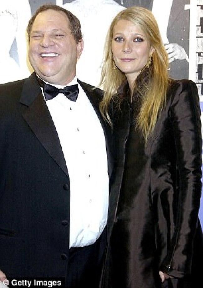 女星葛妮絲派特洛在好萊塢的事業才剛起步,就遭到溫斯坦的魔手性侵。圖為兩人在2004年的合照。(Getty Images)