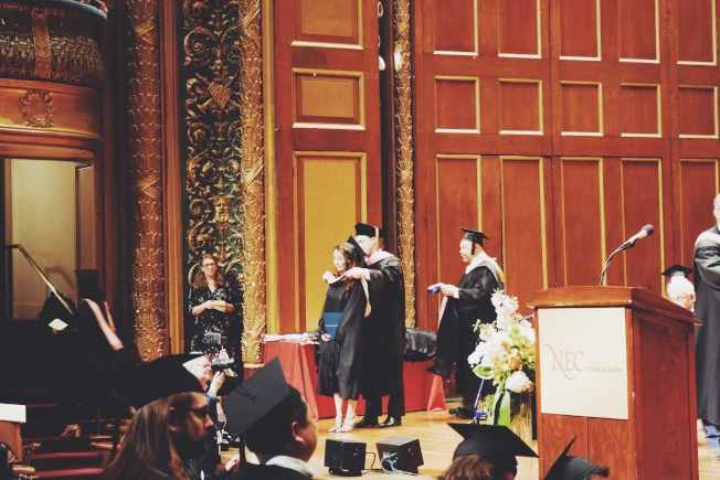 中提琴家周昀今年5月從新英格蘭音樂院畢業,目前就讀耶魯大學音樂研究所。(周昀提供)