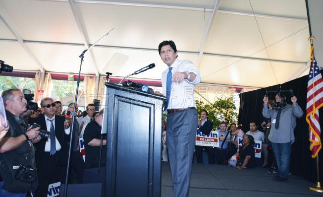 圖1: 德利昂競選加州聯邦參議員正式啟動,並向本報確認他已加入加州議會亞裔議員團。(記者丁曙╱攝影)