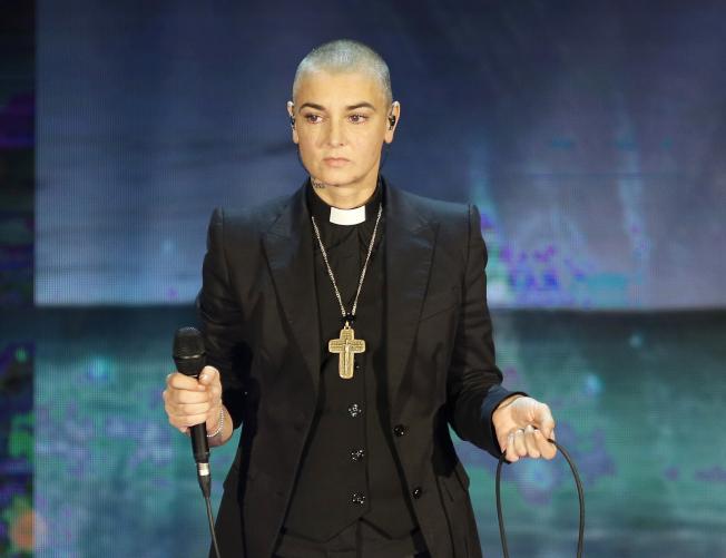 愛爾蘭女歌手辛妮歐康諾在義大利電視台表演。(美聯社)