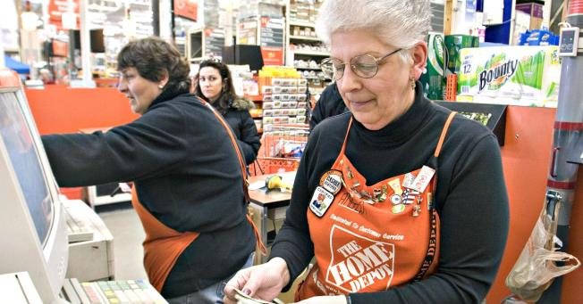 調查顯示,多達三分之一的退休者後來放棄退休,又從事全職工作。(Getty Images)