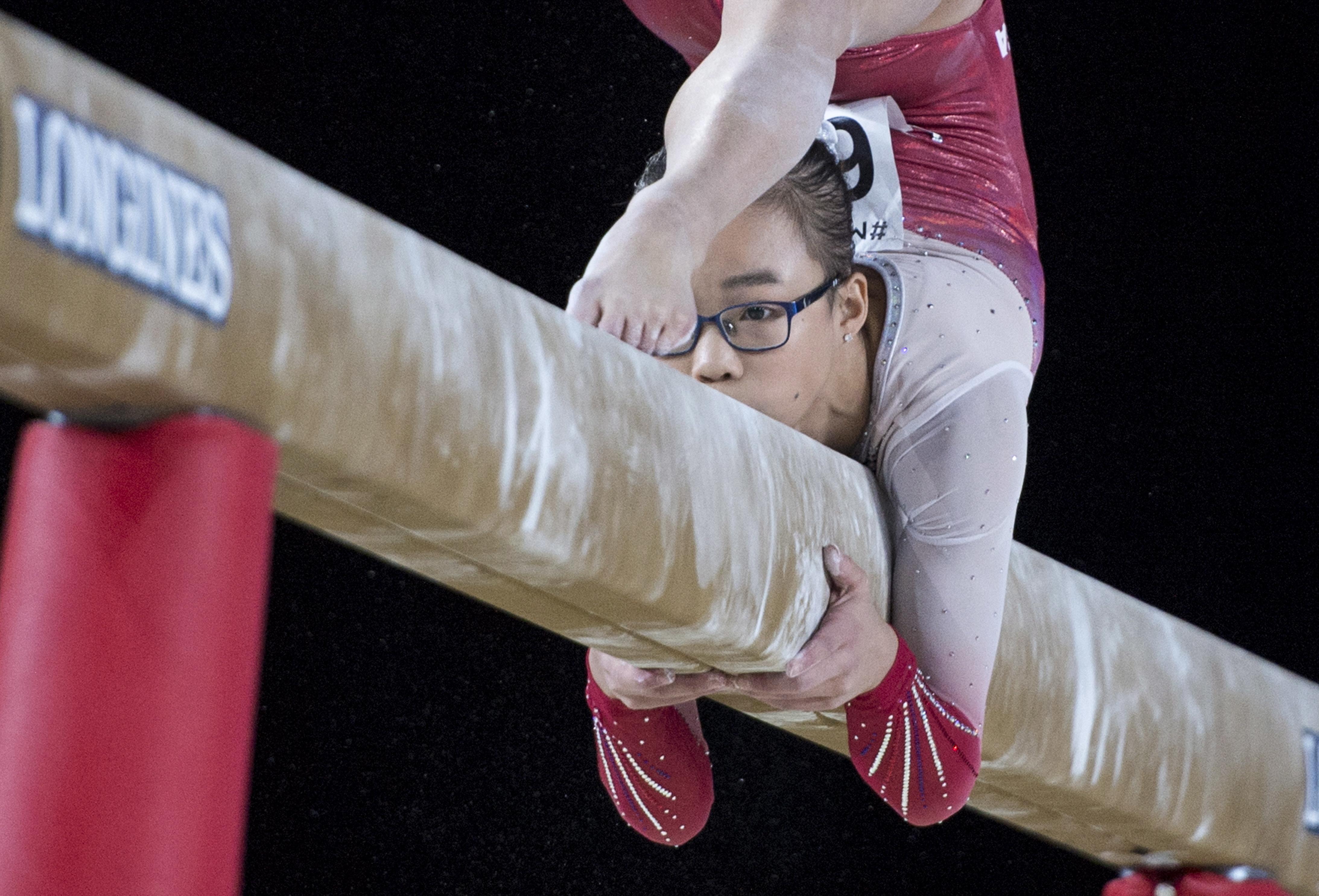 華裔少女吳穎思(Morgan Hurd) 8日在體操世錦賽單項平衡木比賽中,再奪得一面銀牌。(美聯社)