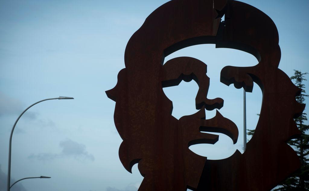 2017年9月29日西班牙北部的城鎮也使用切‧格瓦拉的畫像。(Getty Images)