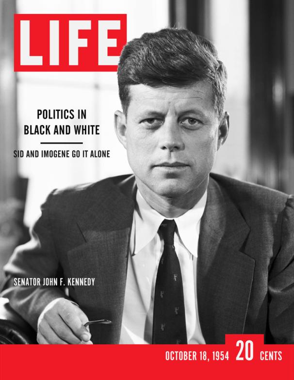 1954年10月18日的生活雜誌以時任參議員的甘迺迪當封面。(網路圖片)