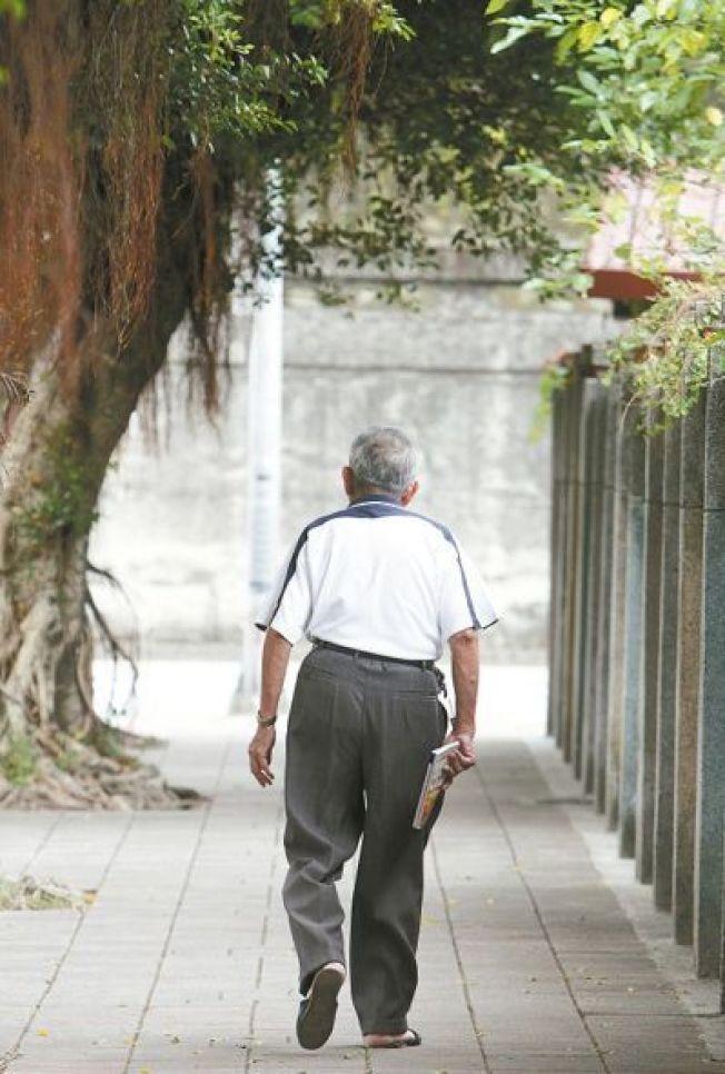長者缺乏蛋白質,可能導致肌少症、加速失能。(本報資料照片)