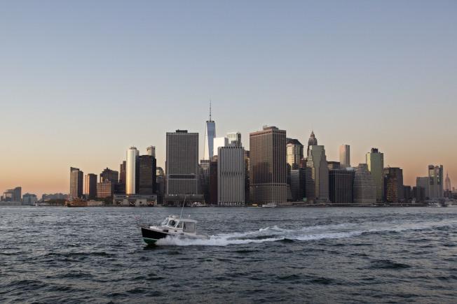 川普的稅改方案,將對紐約、加州等地房市帶來衝擊,圖為紐約市下城天際線。(美聯社)