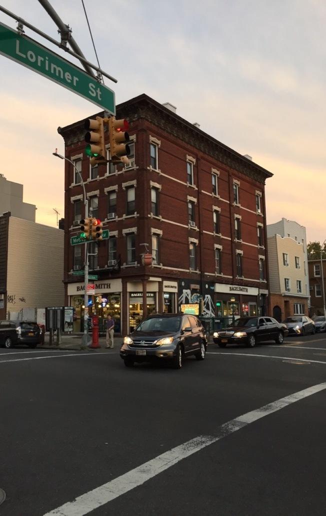 紐約市當房東不容易。圖為布碌崙一棟商住樓。(陸怡雯/攝影)