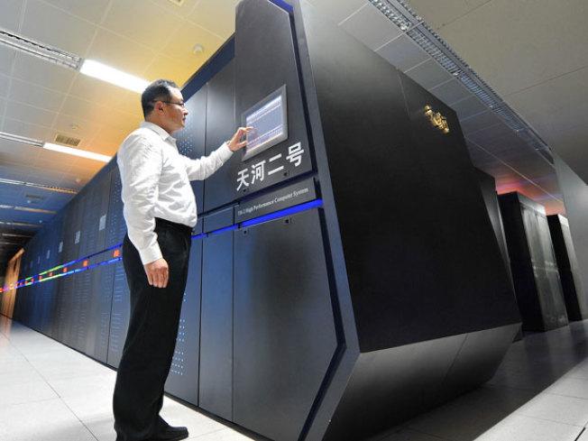 中國國防科技大學的「天河二號」是世界超級電腦之一。(取自網路)