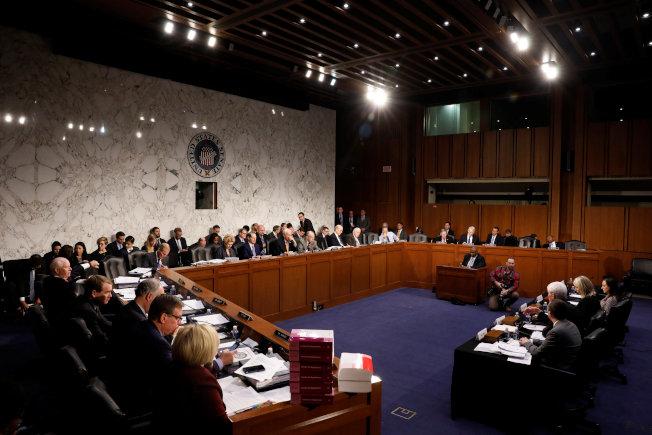 參院財政委員會討論稅改與工作法案。(路透)