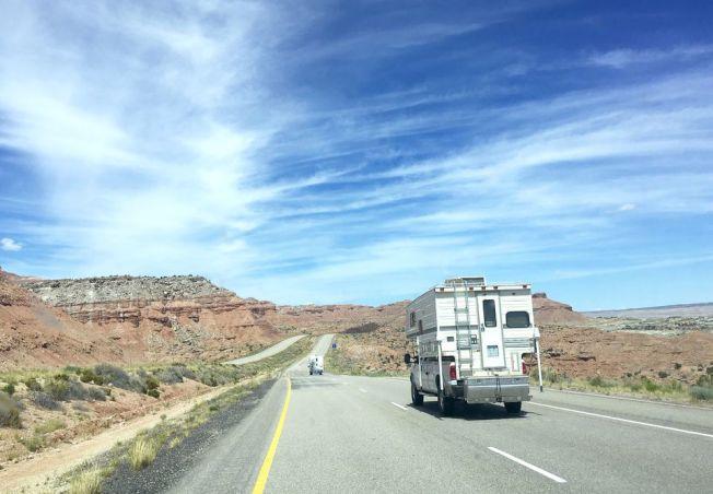 很多長者開車上路,成為「露營打工族」,旅行到全國各地從事季節性工作。(Getty Images)