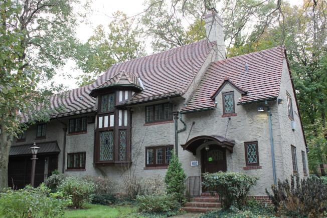 地產網站Curbed報導Greenway South 229號是皇后區最貴住宅第九名,售價398萬元。(記者劉大琪/攝影)