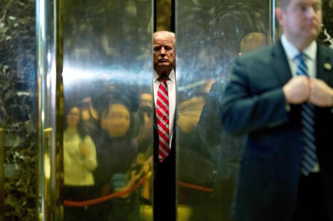 川普總統大力推動稅務改革,反對稅改團體則以川普為目標,投下百萬元,聲稱稅改過關會讓川普受惠。(Getty Images)