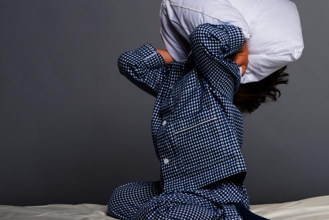 影響睡眠的除了睡眠債務(sleep debt)這個因素外,還有一個很重要的因子就是生理時鐘。 圖/ingimage