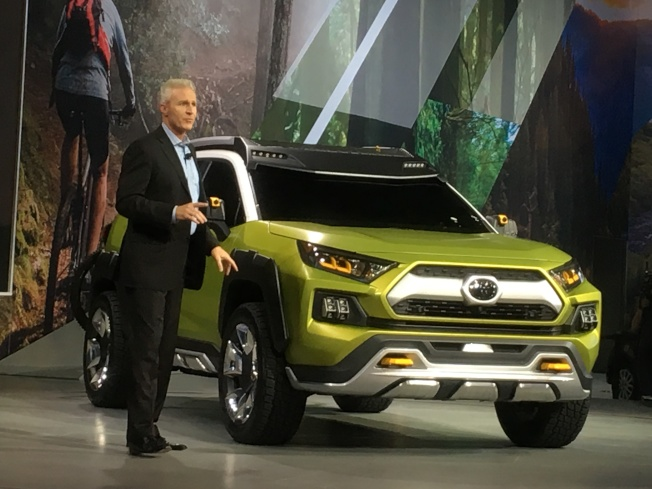 豐田Toyota汽車30日上午9時在洛杉磯汽車展上發表新款概念車 FT-AC(Future Toyota Adventure Concept)。(記者謝雨珊/攝影)