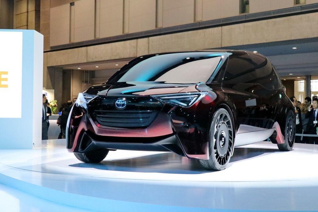 TOYOTA全新氫燃料電池車Fine-Comfort Ride,充填氫燃料只需3到5分鐘就能完成,號稱擁有1000公里的續航力。記者陳威任/攝影