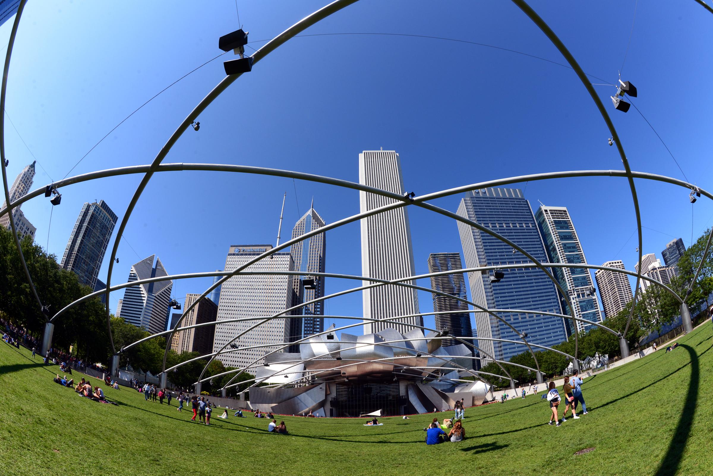 芝加哥千禧公園 (Millennium Park)的 Pritzker Music Pavilion。(許振輝/攝影)