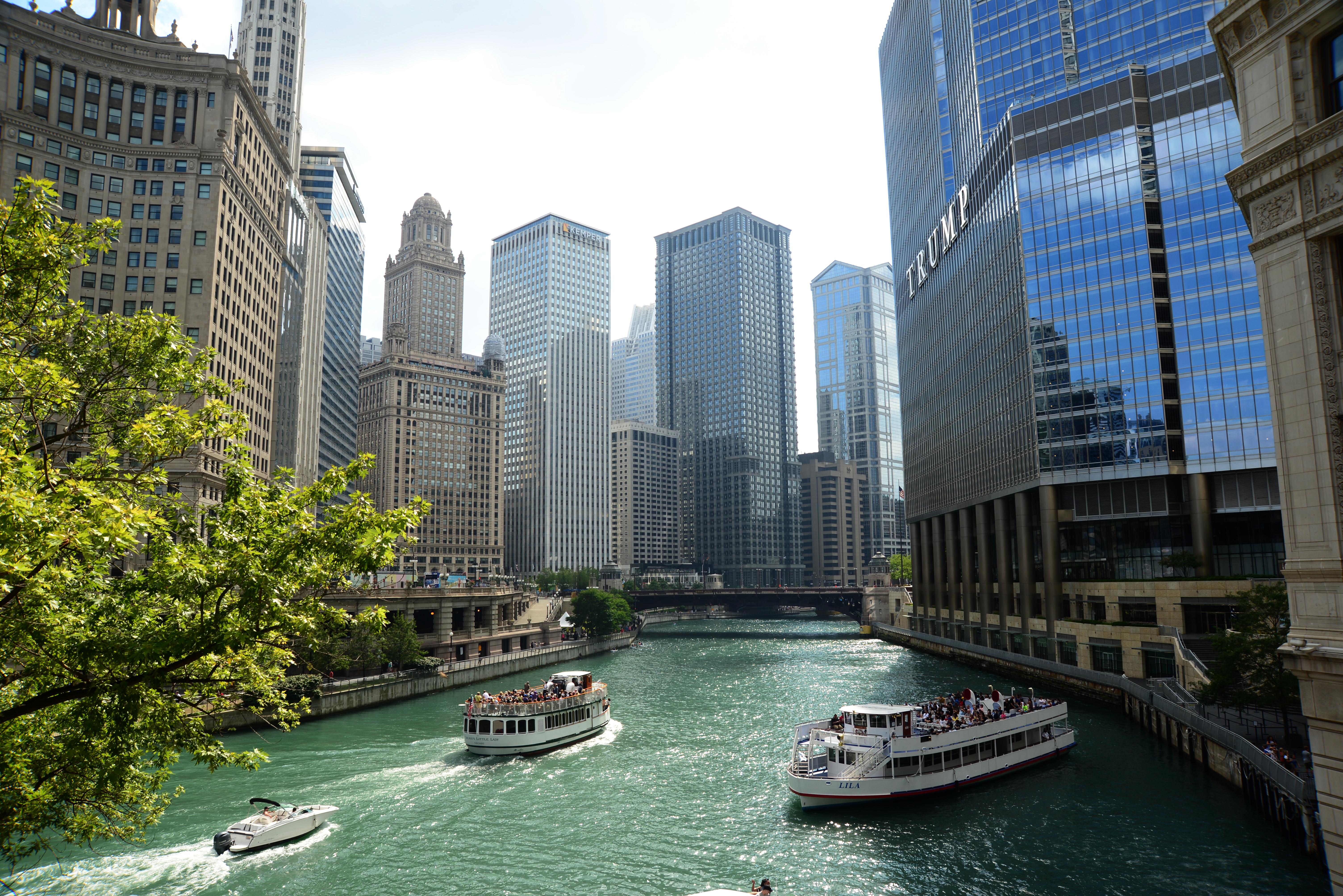 芝加哥河兩岸建築群。(許振輝/攝影)