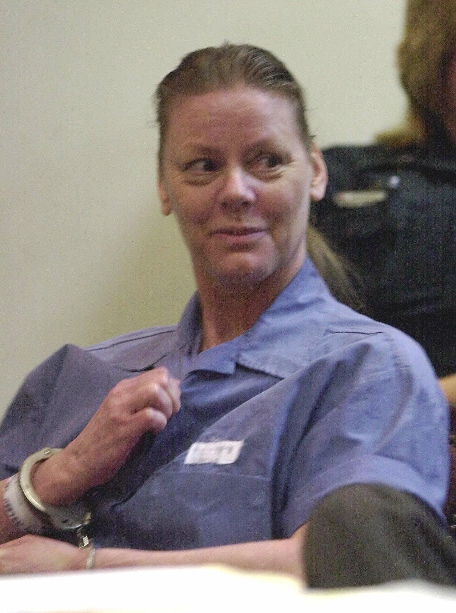 2001年7月21日,被捕入獄的「女魔頭」愛琳‧沃諾絲(Aileen Wuornos)於佛州法庭接受審判。(美聯社)