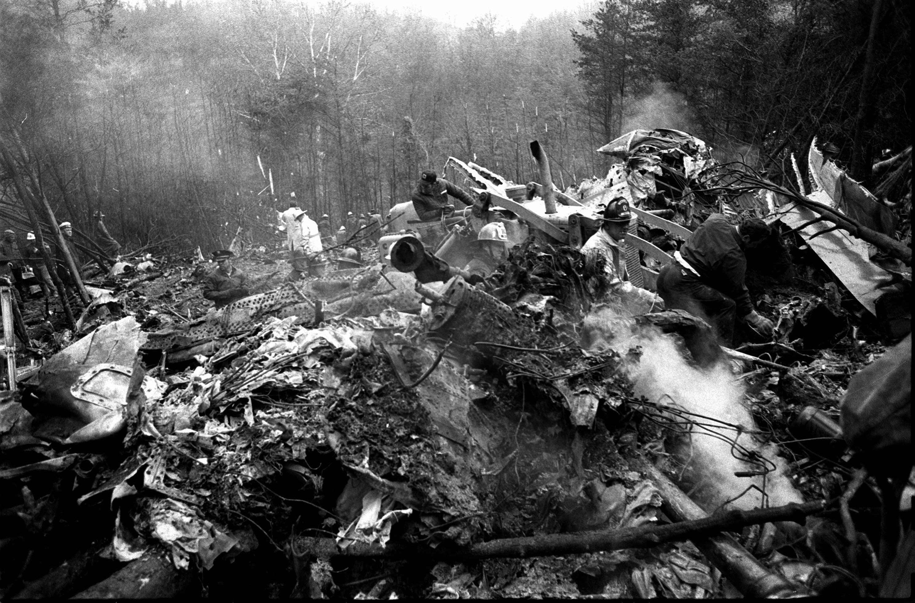 1970年11月14日西維吉尼亞州的馬歇爾大學美式足球隊發生空難。圖為出事現場。美聯社