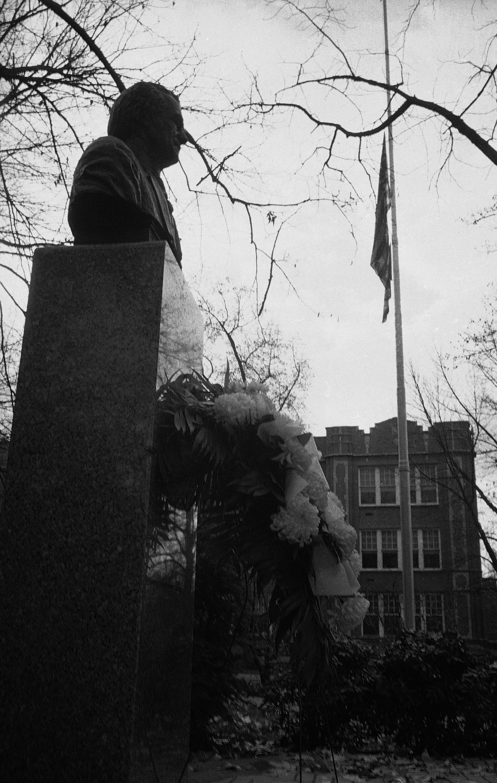 馬歇爾大學美式足球隊發生空難,學校降半旗哀悼。美聯社
