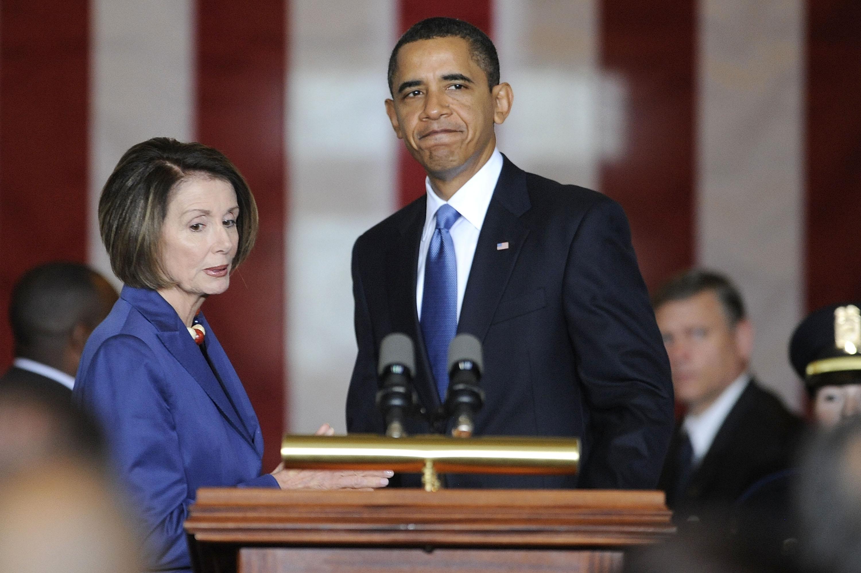 2009年10月28日時任總統的歐巴馬稱讚布魯克:「他擁有公眾服務的卓越人生,也是民權與經濟平等鬥爭的吹哨人。」(Getty Images)