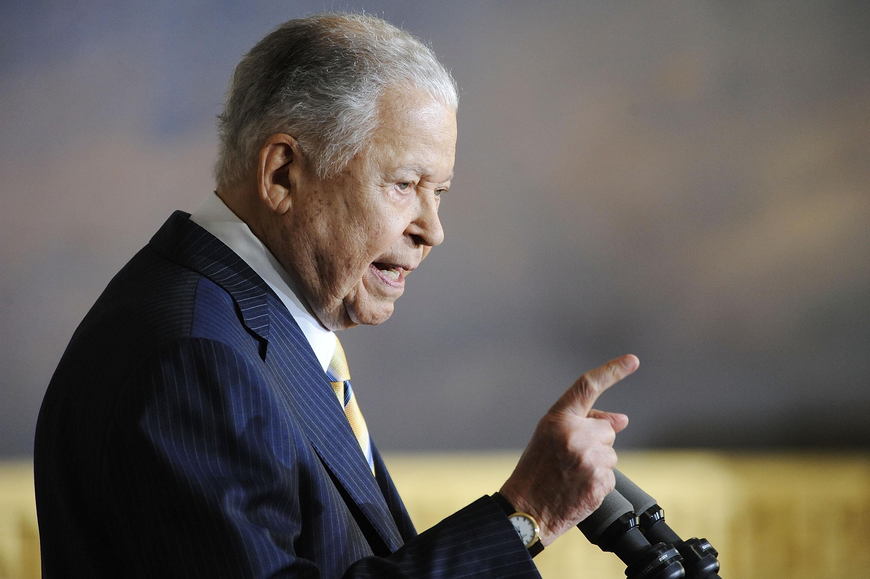 他是20世紀美國僅有的兩位黑人參議員之一,也是美國南北內戰結束後的第一位,當時的參議員由州議會任命而非民選。在布魯克以後,僅有歐巴馬於2004年進入聯邦參議院。(Getty Images)