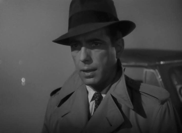 北非諜影電影劇照,圖為飾演男主角的亨伏利鲍嘉(Humphrey Bogart)。(WikiCommons)