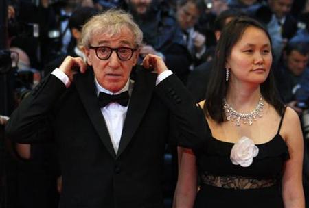 2008年5月17日,伍迪艾倫(Woody Allen)與小他35歲的妻子宋宜(Soon-Yi Previn)出席坎城影展。(路透)