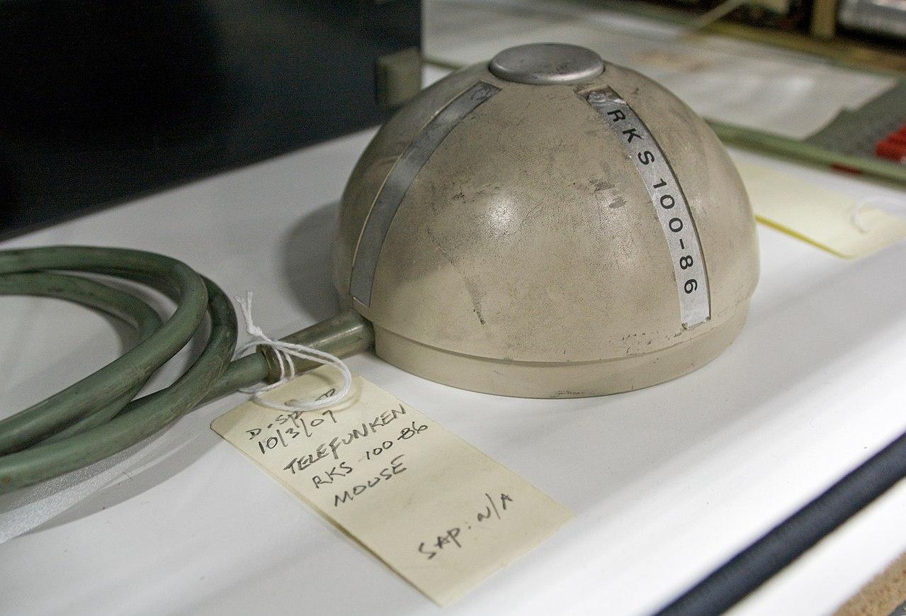 德國的Telefunken公司設計球形結構代替輪子。(維基Marcin Wichary)