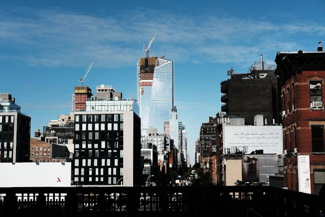 紐約市寸土寸金,新建的大樓價格固然高不可攀,舊大樓的價格依然不親民。(Getty Images)