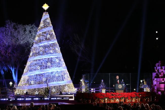 第95屆國家聖誕樹點燈儀式在白宮橢圓形廣場舉行,內政部長辛基(Ryan Zinke)出席致詞。(記者羅曉媛/攝影)