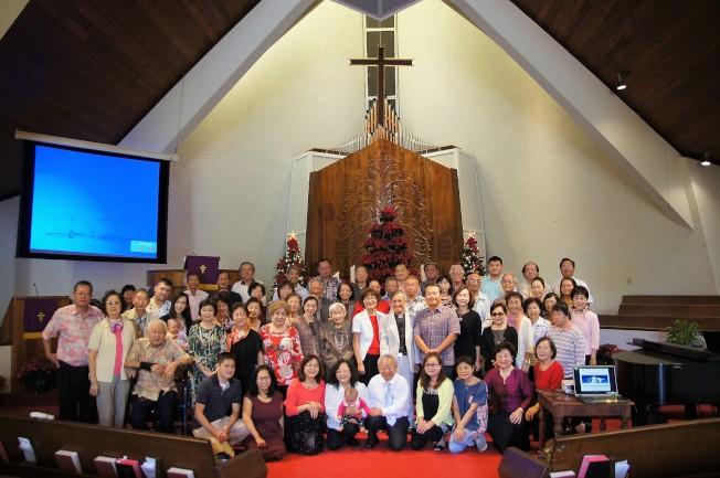感恩禮拜後,全體出席教友及貴賓合影。(通訊記者高振華╱攝影)