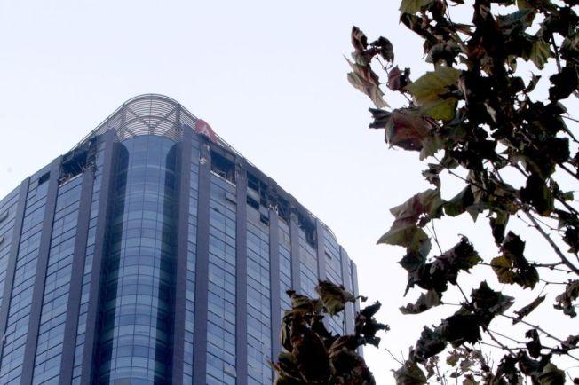 12月1日晨4點07分,位於天津市河西區友誼路與平江道交口的城市大廈38層發生火災。目前火已撲滅。(中新社)
