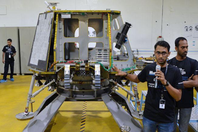 將載運無人探測器登月的太空艙。(Getty Images)
