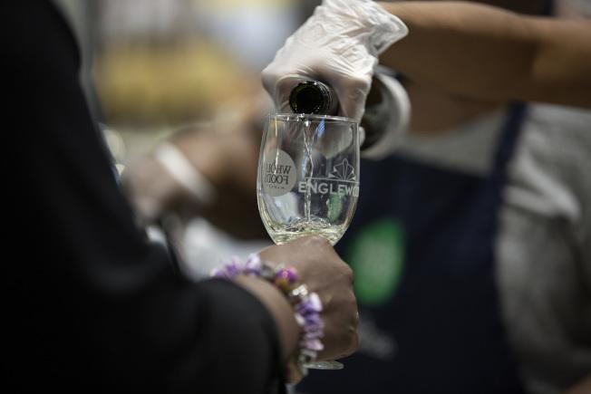 酗酒容易引發骨頭壞死。 (Getty Images)