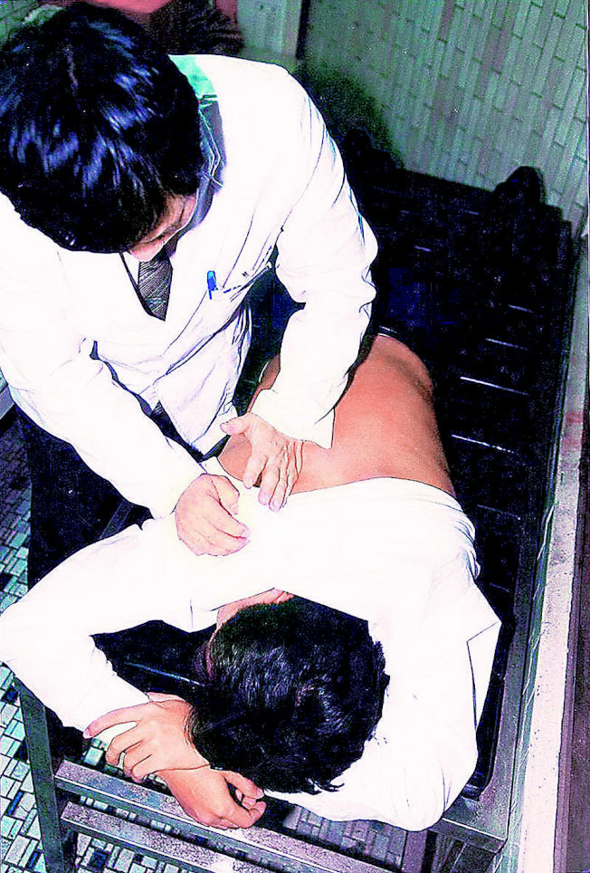 坊間民俗療法,一不小心常弄巧成拙。(本報系資料照片)