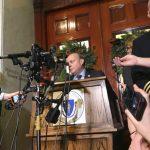 「仗議長之勢」30歲同性丈夫涉性侵  68歲麻州議長下台