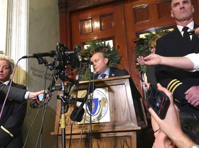 波士頓參議會議長羅森伯格辭去議長之職。(美聯社)