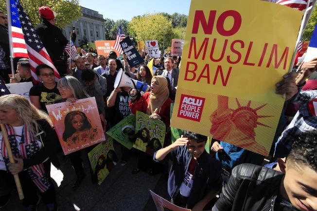 六國旅行禁令似對穆斯林所設,引發全球穆斯林的抗議。(美聯社)