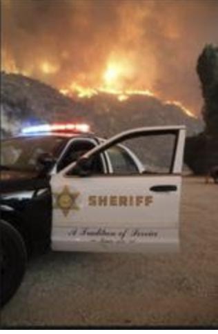 洛杉磯地區今早又發生「Creek Fire」大火,洛杉磯縣消防局及洛杉磯縣警局已派人到場救援。(截圖自洛杉磯縣警局新聞稿)