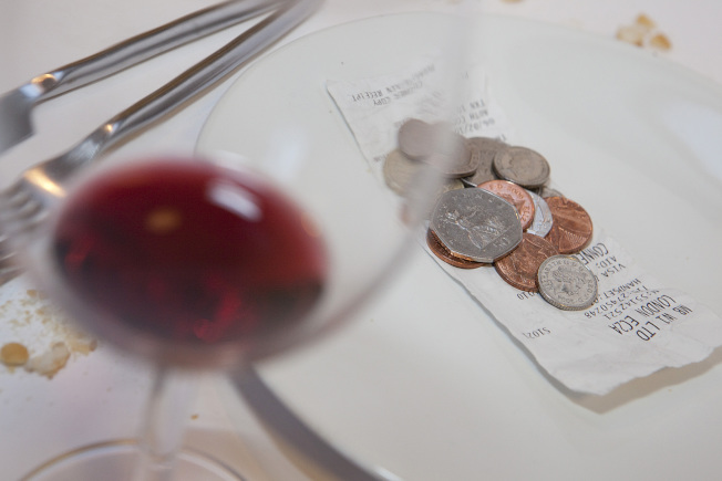 勞工部提議廢除歐巴馬政府針對餐館小費分發的規定。(美聯社)