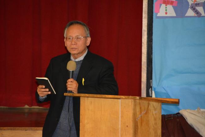 華埠公平發展委員會(CCED)代表張景雄也上台發言,希望各方合作研討解決方案。(記者高梓原/攝影)
