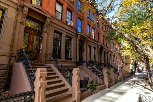 根據穆迪分析公司的經濟分析,該稅改法案若通過,可能使紐約部分地區的房價下滑10%或以上。(取自網路)