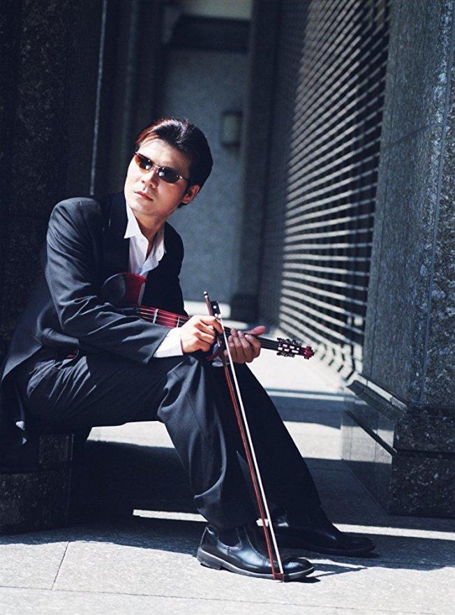 黃建欽在踏入演藝圈前是名專業的小提琴手。  (圖:黃建欽提供)